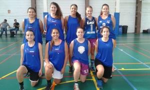 """Campeonas de Baloncesto del Trofeo Rector """"Intercentros""""."""