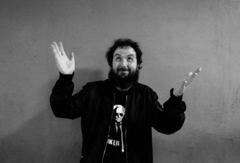 Loulogio ofrece su humor en el Paraninfo con 'A Contrapelo'