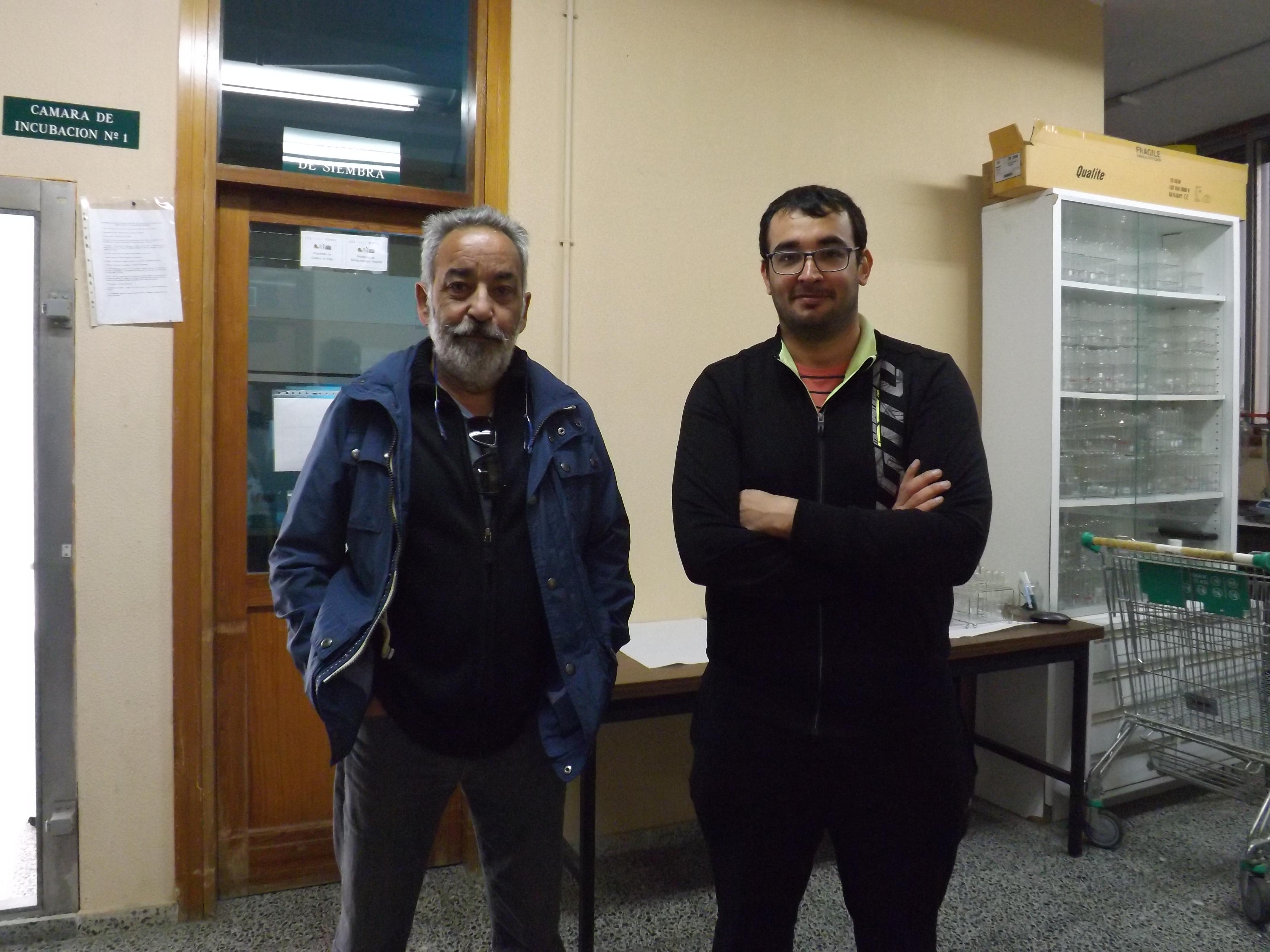 Francisco Valdés González (izquierda) y David Jiménez Arias (derecha), doctores en Biología.