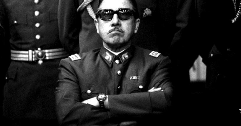 Pinochet-lentes-oscuros_816x428.jpg