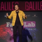 Juan Margalef en su exposición en FameLab (captura de Youtube)
