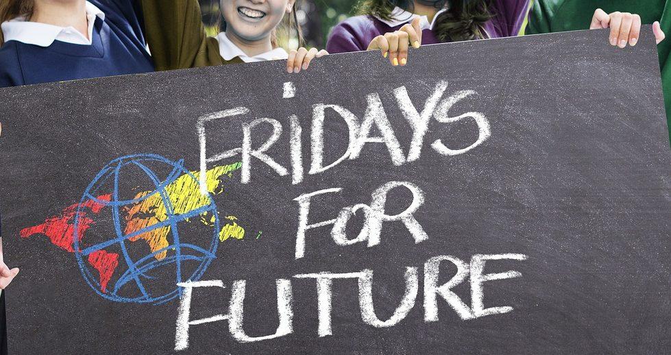 Todos los viernes se celebran marchas estudiantiles alrededor de todo el mundo en lucha contra el cambio climático.