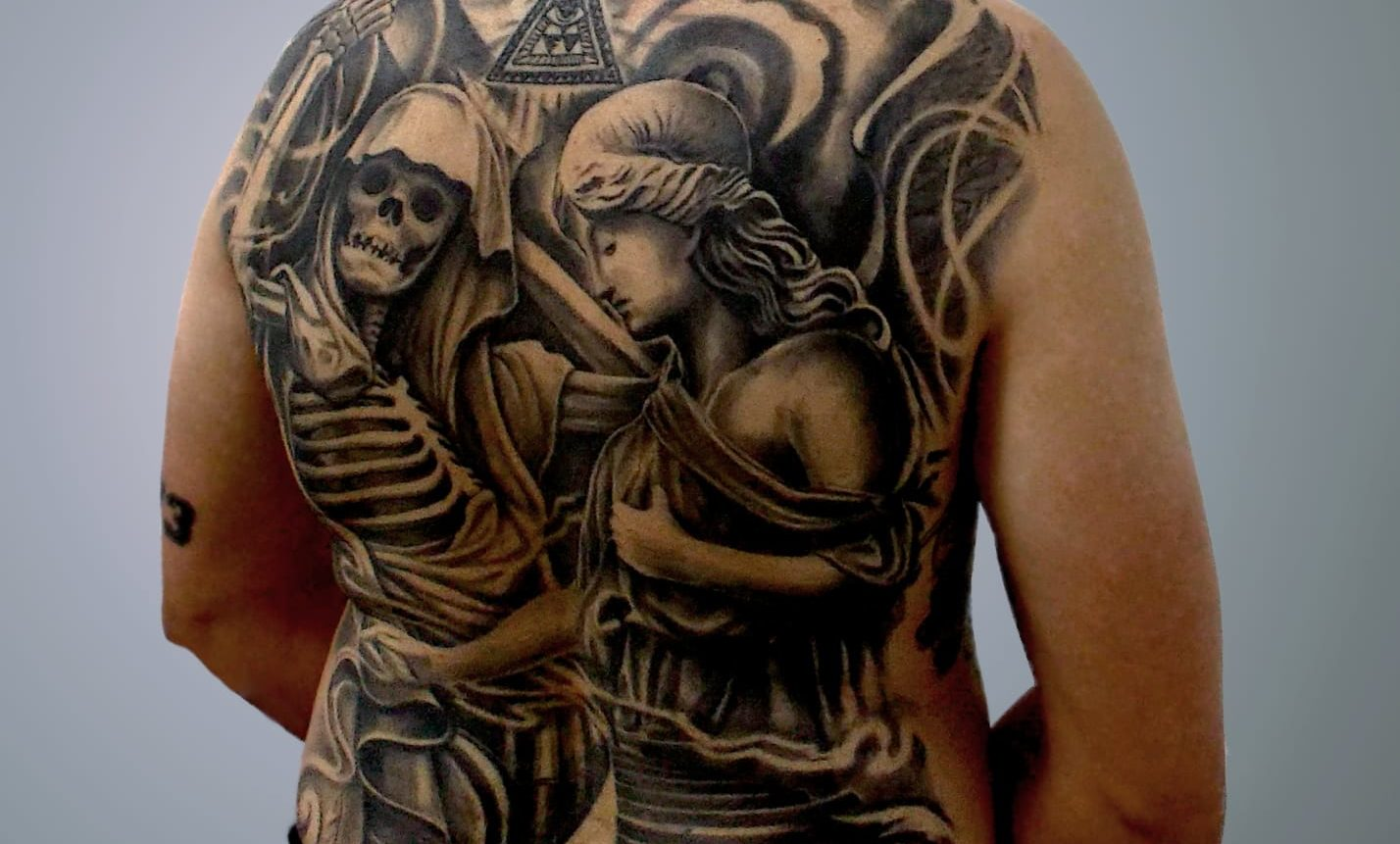 Moisés Delgado cuenta con un tatuaje que cubre toda su espalda. Foto: R. Suárez